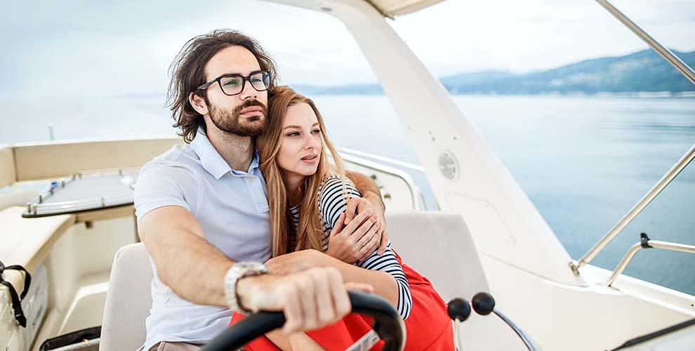 Прогулка на яхте в Сочи с женой